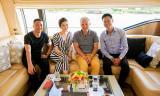 Gia đình nhà sản xuất phim quyền lực Marc Missonnier đón Tết cùng Lý Nhã Kỳ tại Việt Nam