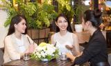 Thùy Tiên vui vẻ hội ngộ cùng 2 đại diện Việt Nam các năm trước, chuẩn bị dự thi Hoa hậu Quốc tế