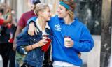 Hailey Baldwin đổi họ theo Justin Bieber đúng ngày báo chí đăng tin Selena Gomez nhập viện điều trị tâm thần