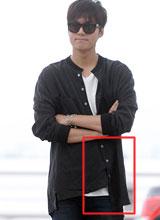 Lee Min Ho bị chê xuề xòa vì mốt áo cài lệch cúc