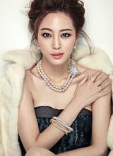 Ngắm Han Ye Seul quyến rũ trên tạp chí