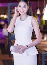 Top 10 HHVN Phạm Hương trẻ trung với đầm Dior trắng