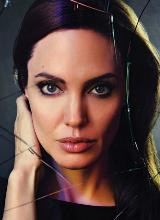 Angelina Jolie mơ màng giữa những khung hình mộc mạc