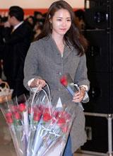 'Hoa hậu Hàn Quốc' Lee Yeon Hee năng động với quần jeans