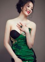 Xiêu lòng trước 'nhan sắc không tuổi' của MC Thanh Mai