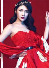 Ngắm Từ Đông Đông quyến rũ trong sắc đỏ
