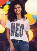 Selena Gomez khoe vẻ đẹp đáng yêu như trẻ thơ