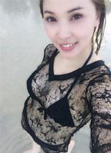 Quỳnh Thư khoe dáng đẹp mượt mà khi đi biển