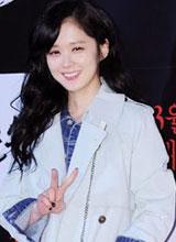 Jang Nara diện đồ đơn giản vẫn xinh tươi như thiếu nữ