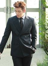Ji Chang Wook hóa quý ông lịch lãm giữa vườn xuân