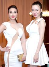 Vũ Hoàng Điệp khoe da trắng nõn nà bên Xuân Nguyễn