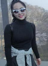 Quỳnh Nga khoe dáng gợi cảm ở Hàn Quốc