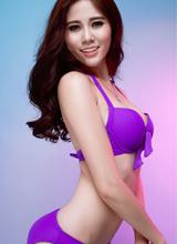 Mặc đẹp bikini như Hoa khôi Hoàng Hạnh góp tiếng nói bảo vệ môi trường biển