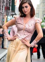 Võ Việt Chung mang áo dài Việt đến New York