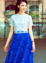 Trần Thị Quỳnh style tươi trẻ như nữ sinh xuống phố