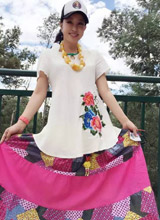 Lưu Hiểu Khánh 'cưa sừng' với thời trang lòe loẹt