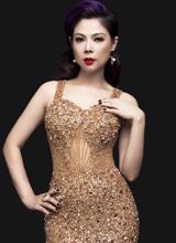 'Búp bê' Thanh Thảo gợi cảm với váy bó sát