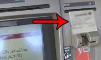 Nguy hiểm chết người tiềm ẩn từ biên lai rút tiền tại cây ATM