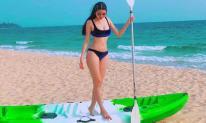Vóc dáng đẹp miễn chê của Á hậu Thúy Vân khi diện bikini 2 mảnh