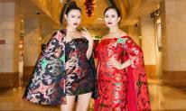 Hà Vi Vi và mẹ diện thiết kế đôi tỏa sáng tại Singapore