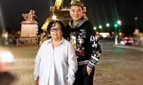 Bà Rịa còn không đi, nhưng cuối cùng mẹ ruột Mr Đàm cũng đã sang tận Paris du lịch
