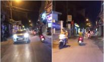 Nữ 'ninja Lead' vừa đi vèo vèo vừa đánh võng trong đêm khiến tài xế đi sau ngán ngẩm
