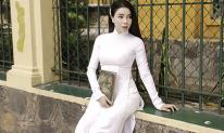Trà Ngọc Hằng hoá nữ sinh trung học, dịu dàng với áo dài tinh khôi