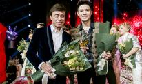 Đức Thịnh ôm Tuấn Ngọc khóc nức nở trong khoảnh khắc đăng quang The Voice 2019