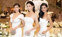Thùy Linh, Kiều Loan, Tường San diện váy đồng điệu, tiếp tục 'đốt mắt' fan với đường cong nuột nà