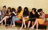 Bắt tại trận nhân viên massage Osaka đang kích dục cho 5 'thượng đế'