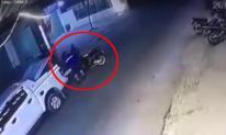 Clip lái xe bán tải đi trộm SH khiến dân mạng ngỡ ngàng
