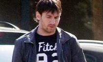 Messi ỉu xìu khi đi ăn trưa cùng bạn gái