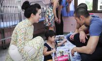 Hoa hậu Thu Hoài cùng trai đẹp hết mình với các bệnh nhi