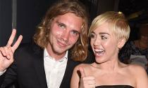 Người nhận giải VMA thay Miley Cyrus là tội phạm bị truy nã