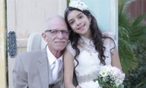 Đám cưới cảm động không chú rể của cô dâu 11 tuổi