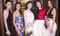 Tường Vy mở tiệc tưng bừng ăn mừng vương miện Hoa hậu
