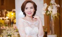 'Gái hai con' Đan Lê đẹp rạng ngời với váy cưới