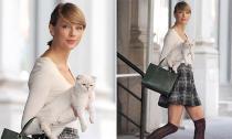 Taylor Swift sành điệu đưa mèo cưng ra phố