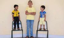 Cậu bé Ấn Độ gây sốc vì cao 1,7m dù mới... 5 tuổi