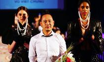 Võ Việt Chung: Trang phục của tôi sánh ngang với trang phục của các NTK thế giới