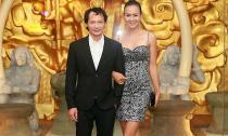 Siêu mẫu Bảo Ngọc diện váy cúp ngực gợi cảm hò hẹn cùng chồng
