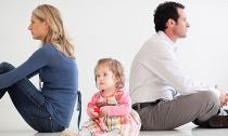 Lý sự 'cùn' của của người lấy con cái 'níu kéo' hôn nhân