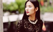 Hoàng Thùy sang trọng với tone đen dạo phố Hà Nội