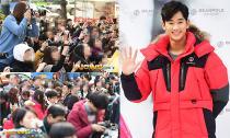 Rừng fans 'đè đầu cưỡi cổ' nhau để chụp hình Kim Soo Hyun