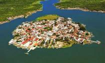 Ghé thăm ngôi làng trên hòn đảo nhân tạo ở Mexico
