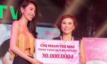 Doanh nhân Phan Thị Mai sang trọng dự sinh nhật Thủy Tiên