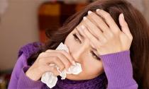9 mẹo đơn giản trị đau họng không dùng thuốc
