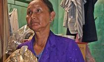 Người đàn bà gặp hàng loạt chuyện lạ sau khi đào được 13 tượng vàng từ mộ cổ