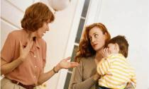 Mẹ đẻ khuyên tôi bỏ chồng