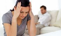 """Muốn ly dị với ông chồng """"đo lọ nước mắm"""""""